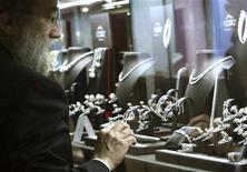 <p>Oro, vendite gioielli calano del 27% in secondo trimestre. REUTERS/Manuel Silvestri</p>