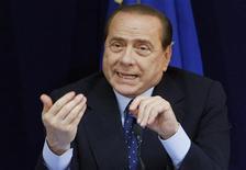 <p>TV italiana é criticada por dar mais visibilidade ao premiê Silvio Berlusconi, em foto de arquivo. REUTERS/Thierry Roge</p>