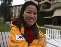 <p>South Korean climber Oh Eun-sun, 43, talks to Reuters in Kathmandu September 15, 2009. REUTERS/Gopal Chitrakar</p>