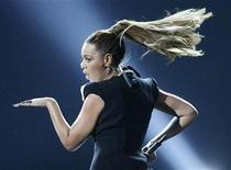 <p>Beyonce performs during the American Music Awards in Los Angeles, November 23, 2008. REUTERS/Mario Anzuoni</p>