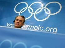 <p>Jacques Rogge in una foto d'archivio. REUTERS/Ruben Sprich (SWITZERLAND SPORT OLYMPICS)</p>