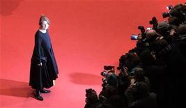 """<p>Sally Potter arriva al Festival di Berlino per la proiezione di """"Rage"""" lo scorso febbraio. REUTERS/Johannes Eisele (GERMANY)</p>"""