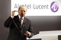 <p>Le directeur général d'Alcatel-Lucent, Ben Verwaayen, a déclaré que son groupe ne discutait d'une éventuelle fusion avec aucun de ses grands concurrents, alors que certains investisseurs spéculent depuis quelque temps sur la possibilité d'un rapprochement. /Photo prise le 4 février 2009/REUTERS/Benoît Tessier</p>