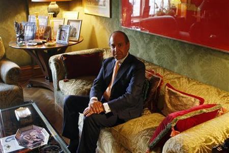 Investment banker Hassan Nemazee sits in his living room before a fundraiser with Senator Hilary Clinton to support then Democratic presidential candidate and Senator Barack Obama in New York in this September 22, 2008 file photo. REUTERS/Joshua Lott/Files