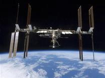 <p>La Stazione Spaziale Internazionale. REUTERS/NASA/Handout (UNITED STATES SCI TECH)</p>