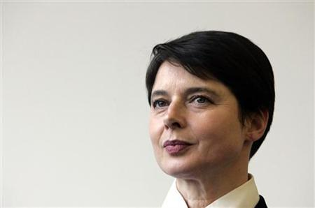 Italian actress Isabella Rossellini attends a news conference in Berlin, February 13, 2006.