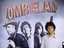 "<p>Cast member Jesse Eisenberg attends the premiere of the film ""Zombieland"" in Los Angeles September 23, 2009. REUTERS/Phil McCarten</p>"