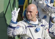<p>Canadian billionaire Guy Laliberte shows a victory sign before entering a spacecraft at the Baikonur cosmodrome September 30, 2009. REUTERS/Shamil Zhumatov</p>
