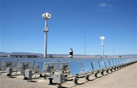 eSolar's first commercial solar power plant in the desert city of Lancaster, California is seen on its opening day August 5, 2009. REUTERS/Nichola Groom