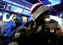 <p>I cittadini stranieri residenti in Italia al primo gennaio 2009 erano 3.891.295, il 6,5% del totale e il 13,4% in più rispetto a 12 mesi prima, secondo un rapporto Istat pubblicato oggi. REUTERS/Loris Savino</p>
