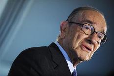 <p>Экс-глава Федеральной резервной системы США Алана Гринспен во время интервью в Вашингтоне 2 октября 2009 года. Российский рубль пока не может стать даже региональной резервной валютой из-за слишком высокой зависимости от цен на нефть, полагает экс-глава Федеральной резервной системы США Алан Гринспен. REUTERS/Jonathan Ernst</p>