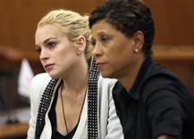 <p>A atriz Lindsey Lohan e sua advogada, Shawn Chapman Holley, durante audiência nesta sexta-feira. REUTERS/Nick Ut/Pool</p>