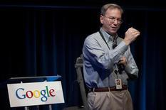 <p>Eric Schmidt, Amministratore delegato di Google, durante la presentazione del sistema Google Maps Navigation. REUTERS/Kimberly White</p>