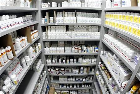 Pills line the shelves in a Los Angeles pharmacy, April 16, 2007. REUTERS/Lucy Nicholson