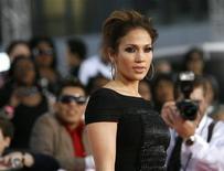 <p>Foto de arquivo de Jennifer Lopez de 27 de outubro de 2009. Dois anos depois de ganhar uma sentença de 545 mil dólares contra seu primeiro marido, a cantora e atriz abriu novo processo contra ele, acusando-o de usar vídeos da vida sexual de ambos em um filme biográfico. REUTERS/Mario Anzuoni</p>