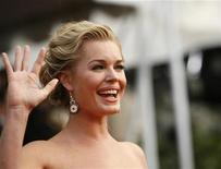 "<p>Actress Rebecca Romijn from ""Ugly Betty"" arrives at the 14th annual Screen Actors Guild Awards in Los Angeles January 27, 2008. REUTERS/Mario Anzuoni</p>"