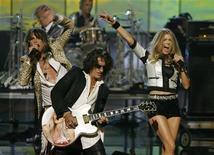 <p>Gli Aerosmith durante un'esibizione nel 2007. REUTERS/Lucas Jackson/Files</p>