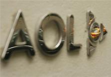 <p>Il logo di Aol sulla facciata dell'edificio sede dell'unità di Time Warner a New York. REUTERS/Lucas Jackson</p>