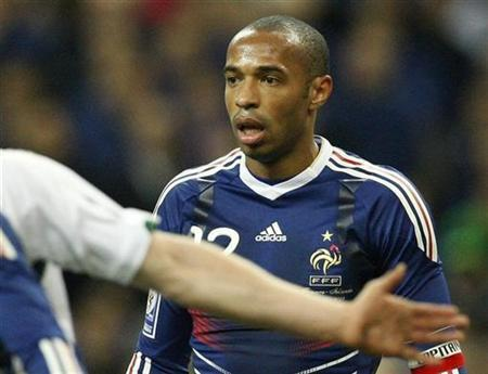 France's team captain Thierry Henry reacts in their World Cup qualifying playoff return leg match against Ireland at the Stade de France stadium in Saint Denis near Paris November 18, 2009. REUTERS/Benoit Tessier