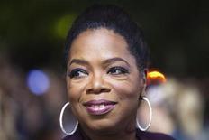 """<p>Foto de archivo: La animadora Oprah Winfrey arriba a la función de preestreno del filme """"Precious"""" durante el Festival Internacional de Cine de Toronto, sep 13 2009. REUTERS/Mark Blinch (CANADA)</p>"""