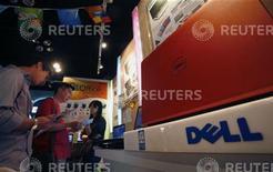 <p>Uno stand Dell. REUTERS</p>