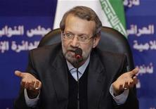 <p>Iran's Parliament Speaker Ali Larijani speaks during a news conference in Baghdad November 4, 2009. REUTERS/Saad Shalash</p>