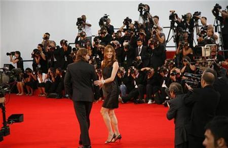 U.S director Kathryn Bigelow arrives on the red carpet at the Venice Film Festival September 4, 2008. ''The Hurt Locker'' movie by director Bigelow is shown in competition at the Venice Film Festival. REUTERS/Max Rossi