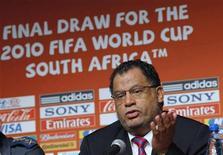 <p>Danny Jordaan, capo della comitato organizzativo dei Mondiali 2010. REUTERS/Mike Hutchings</p>