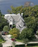 <p>La villa del golfista Tiger Woods a Windermere, in Florida. REUTERS/Rick Fowler</p>