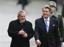 <p>O presidente Lula e o presidente ucraniano, Viktor Yushchenko, se reuniram em Kiev nesta quarta-feira. REUTERS/Gleb Garanich</p>