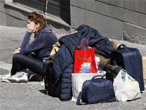 <p>Immagine d'archivio di una senza casa. REUTERS/Giampiero Sposito (ITALY DISASTER)</p>