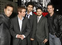 "<p>The cast of the HBO series 'Entourage"" (L-R) Jeremy Piven, Kevin Connolly, Adrian Grenier, Jerry Ferrara and Kevin Dillon pose at the series' third season screening in Hollywood, April 5, 2007. REUTERS/Fred Prouser</p>"