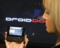 <p>The new Droid phone, a Motorola Inc. and Verizon Wireless phone based on Google Inc's Android 2.0 system, is shown at a media event in New York October 28, 2009. REUTERS/Brendan McDermid</p>