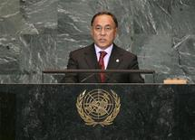<p>Министр иностранных дел Казахстана Канат Саудабаев выступает на Генассамблее ООН в Нью-Йорке 25 сентября 2009 года. Казахстан хочет использовать свое предстоящее председательство в Организации по безопасности и сотрудничеству в Европе для урегулирования конфликта в Афганистане - соседе по региону Центральной Азии. REUTERS/Patrick Andrade</p>