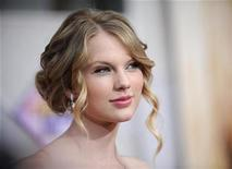 "<p>Singer Taylor Swift attends the premiere of ""Hannah Montana the Movie"" in Los Angeles April 2, 2009. REUTERS/Phil McCarten</p>"