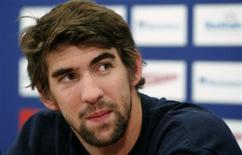 <p>Foto de arquivo de Michael Phelps. O campeão olímpico de natação expressou nesta quinta-feira, 17 de dezembro de 2009, solidariedade com o compatriota Tiger Woods, e disse que sabia o que era cometer erros. REUTERS/Bob Strong</p>