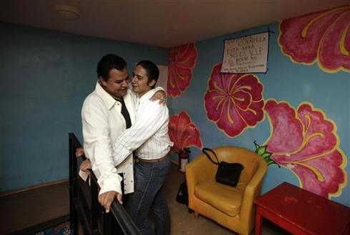 Mexico City allows gay marriage
