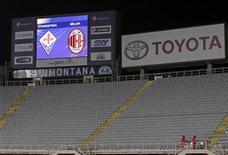 <p>Le tribune dello stadio Artemio Franchi il giorno in cui è stata rinviata Fiorentina-Milan. REUTERS/Giampiero Sposito</p>