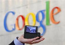 <p>Una presentazione di Google. REUTERS/Christian Hartmann</p>