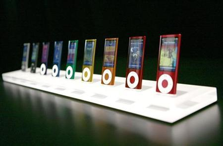 The new iPod nano, featuring a variety colors and a video camera, is shown at an Apple Inc special in San Francisco, California September 9, 2009. REUTERS/Robert Galbraith
