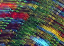 <p>Les investisseurs parient sur une bonne année 2010 pour les valeurs technologiques, alors que les acteurs du secteur s'apprêtent à converger vers Las Vegas pour le 43e Consumer Electronics Show (CES), qui se tiendra du 7 au 10 janvier. /Photo d'archives/REUTERS/Toby Melville</p>