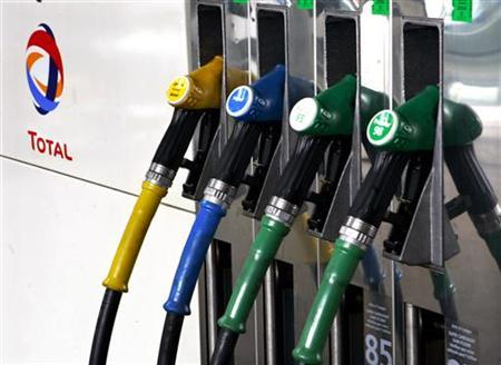 A close-up picture of a fuel pump at a Total gas station in Vincennes near Paris May 20, 2005. REUTERS/Charles Platiau