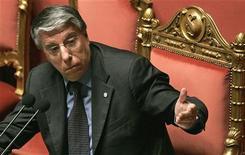 <p>Carlo Giovanardi, co-promotore di una delle leggi che secondo Antigone dovrebbe essere oggetto di revisione. Foto d'archivio. REUTERS/Alessandro Bianchi</p>