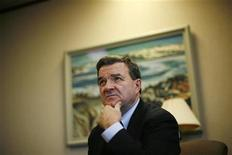 <p>Canada's Finance Minister Jim Flaherty listens to a question during an interview with Reuters in Ottawa December 21, 2009. REUTERS/Chris Wattie</p>