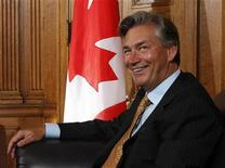 <p>ary Doer takes part in a meeting with Canada's Prime Minister Stephen Harper (not pictured) on Parliament Hill in Ottawa August 28, 2009. REUTERS/Chris Wattie</p>