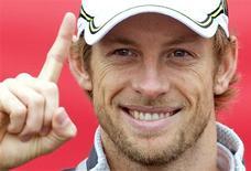 <p>Britânico Jenson Button, campeão mundial de Fórmula 1 em 2009, terá ponte com seu nome na Inglaterra (foto de arquivo). REUTERS/Andrew Winning</p>