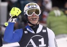 <p>L'italiano Giuliano Razzoli, oggi terzo alla gara di slalom di Kitzbuehel, valida per la Coppa del Mondo di sci alpino. REUTERS/Michael Leckel</p>