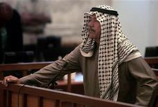 """<p>Али Хассан аль-Маджид, также известный как """"Химический Али"""", ждет судебного вердикта, озвученного в Багдаде 24 июня 2007 года. В Ираке приведен в исполнение смертный приговор одному из ближайших соратников свергнутого диктатора Саддама Хусейна, Али Хассан аль-Маджиду, получившему прозвище """"Химический Али"""", сообщил представитель властей страны. REUTERS/Joseph Eid/Pool</p>"""