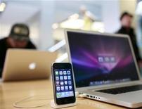 <p>Alcuni prodotti di Apple. REUTERS/Robert Galbraith</p>