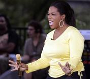 <p>Oprah Winfrey recuperou seu trono de personalidade favorita da TV americana em 2009, mas o apresentador conservador de talk shows na TV e no rádio Glenn Beck fez sua estreia na pesquisa anual Harris, já no segundo lugar. REUTERS/Frank Polich 08/09/2010</p>